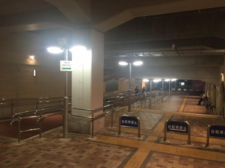 浦和駅 高架下