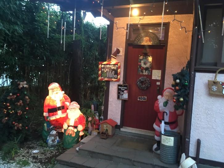 クリスマストイズ 玄関