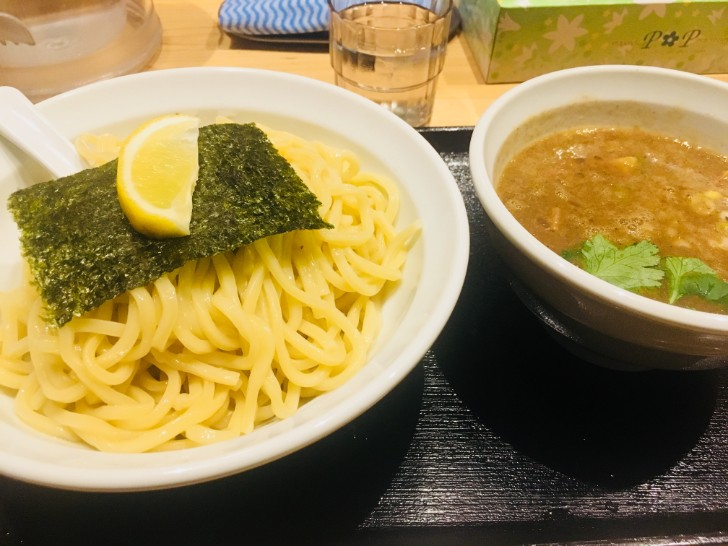 蕾:濃厚煮干しつけ麺
