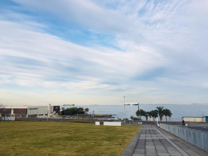 横須賀美術館海側