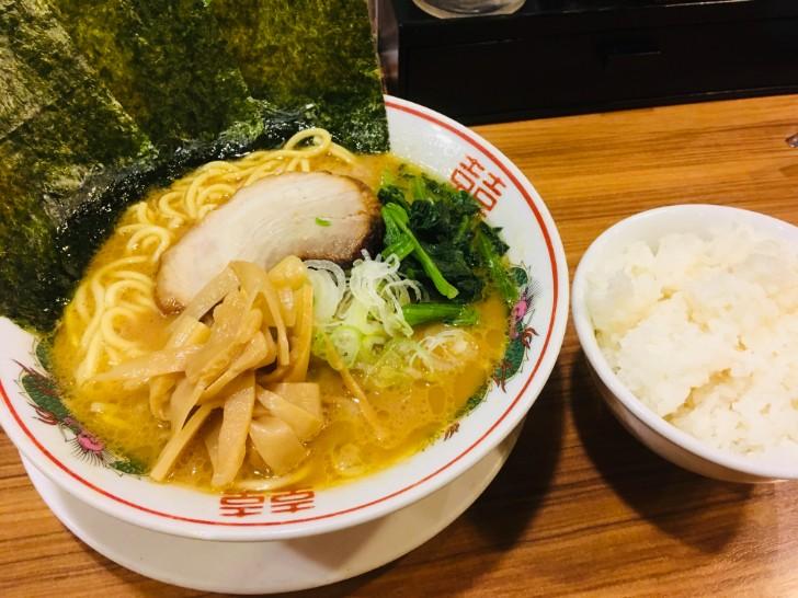 横浜らぁめん 桜花 醤油ラーメン