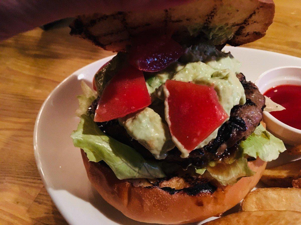 ビアパブカムデン:ハンバーガー2