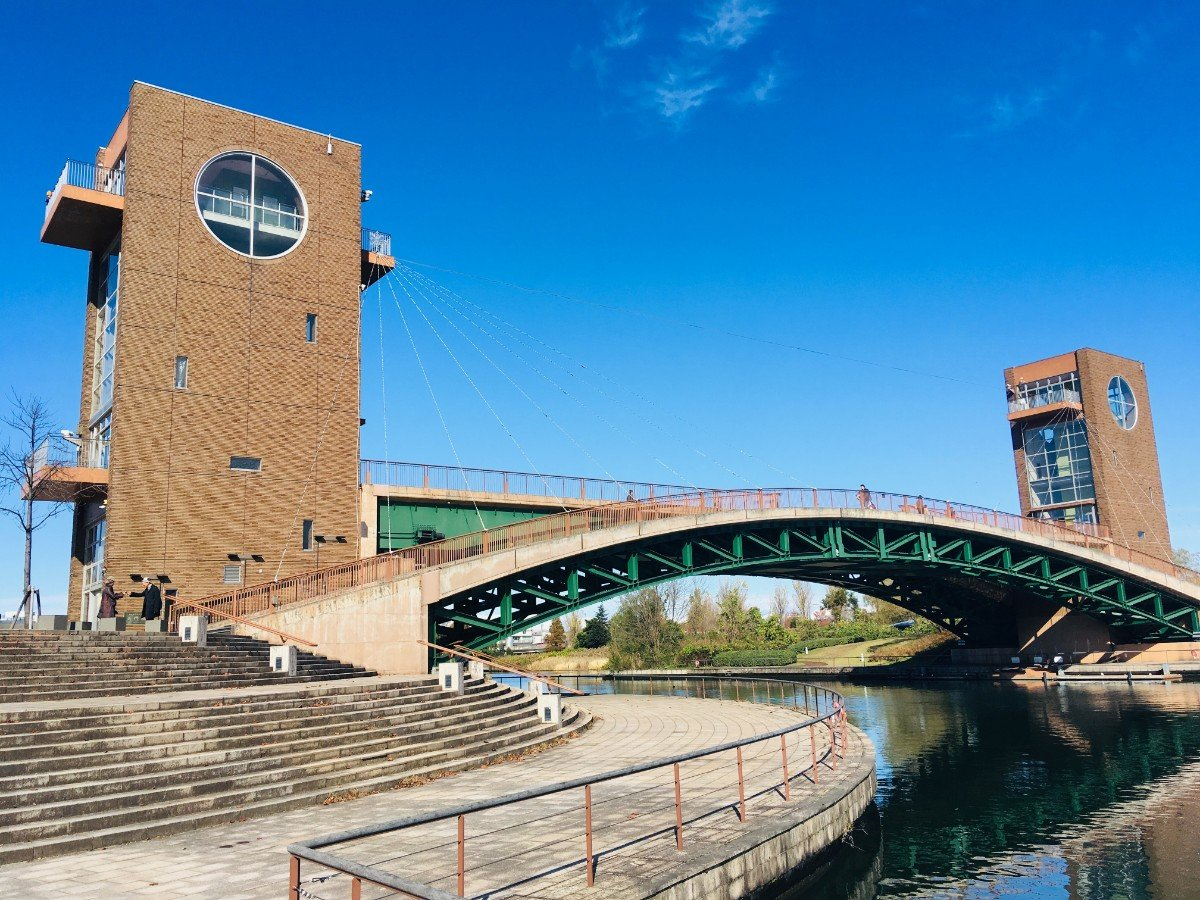富岩運河環水公園:天門橋