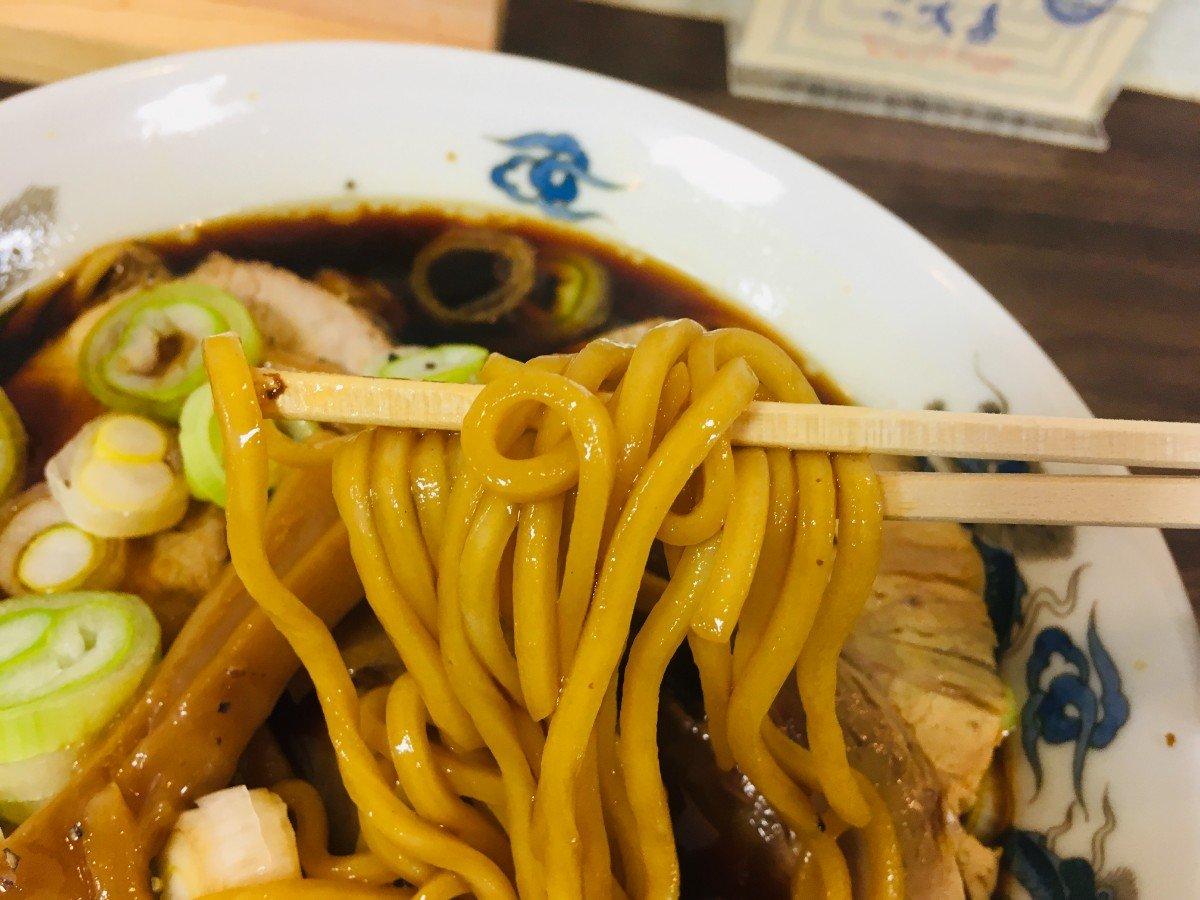 西町大喜ブラックラーメン 麺