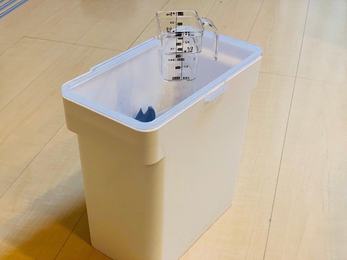 米びつ 5kg対応計量カップ付きホワイト